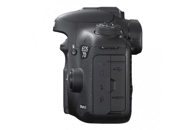 Cámara CANON Profesional EOS 7D Mark II Negra + Lente EF-S 18-135 mm f/3.5-5.6 IS STM