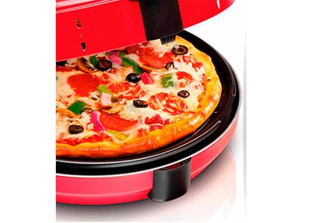 Horno para Pizza HAMILTON BEACH 31700 close up pizza
