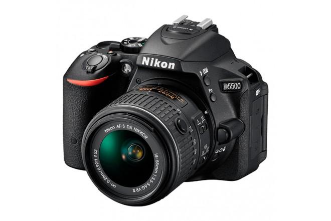 Cámara Profesional NIKON D5500 + Estuche + 8GB Negra