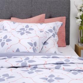 Comforter + Cubrecama Extradoble K-LINE Flores