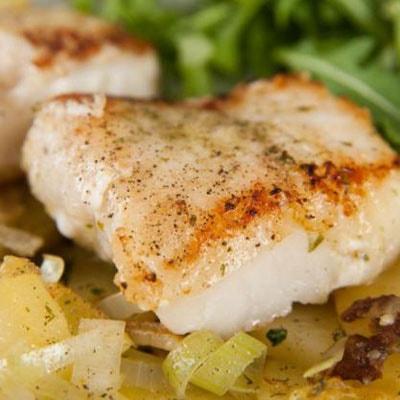 Receta Kalley para pescado en salsa de coco y cebolla
